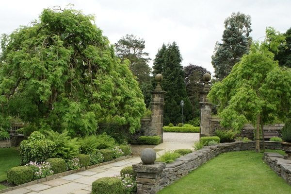 gardens at Holdsworth House