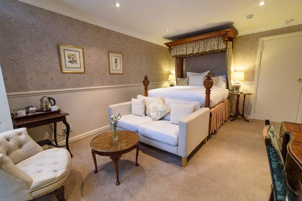 Beau Bridal Suite At Holdsworth House Halifax