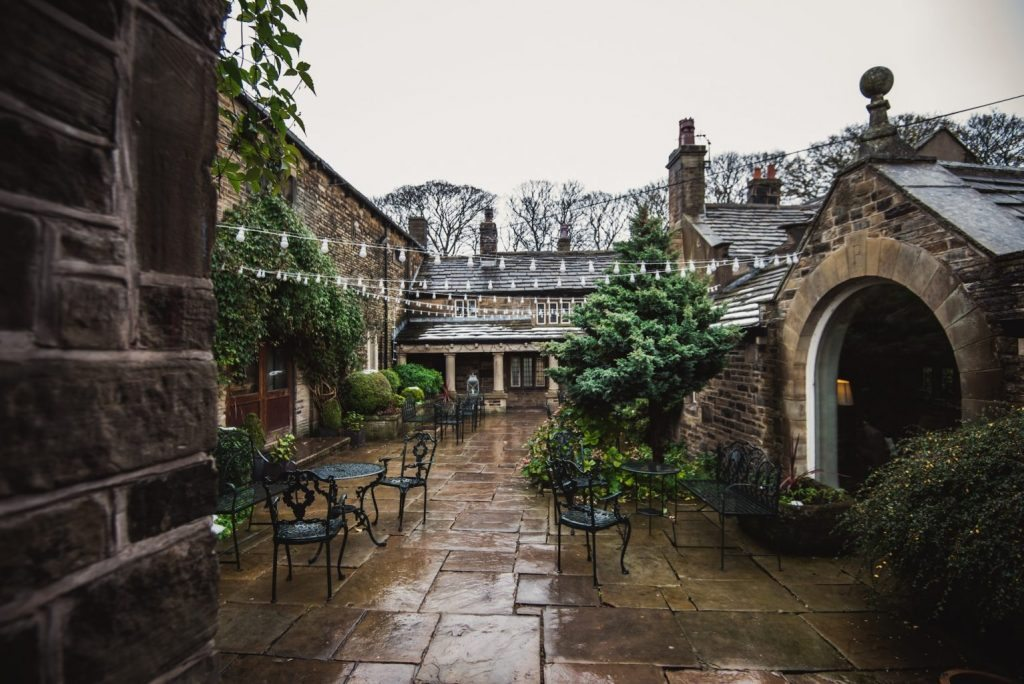 Courtyard Holdsworth House Hotel