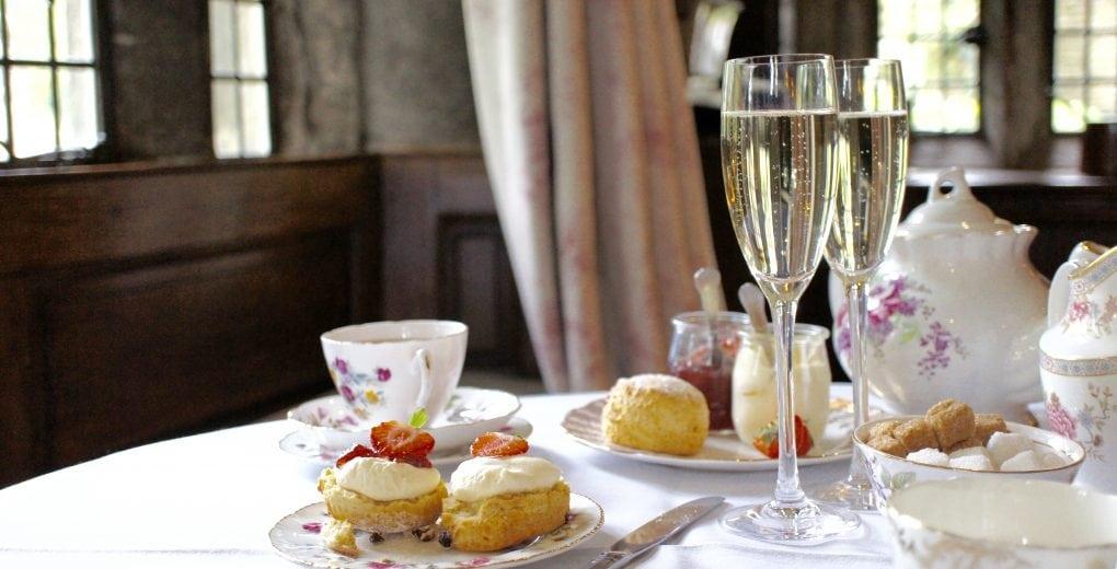 Cream tea Holdsworth House