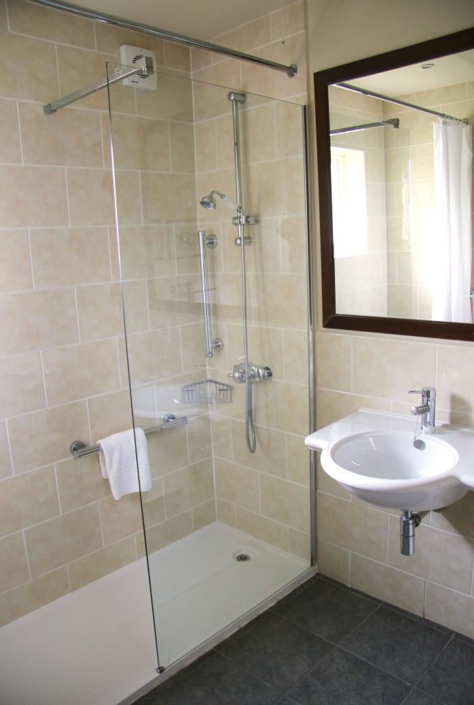 Accessible room ensuite