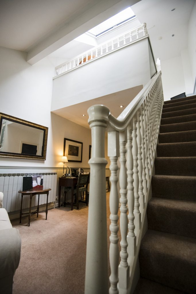 Split-level Suite at Holdsworth House