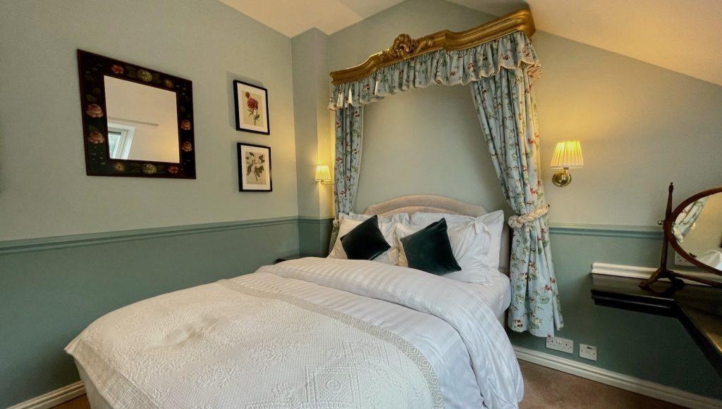 Split-level Suite bedroom