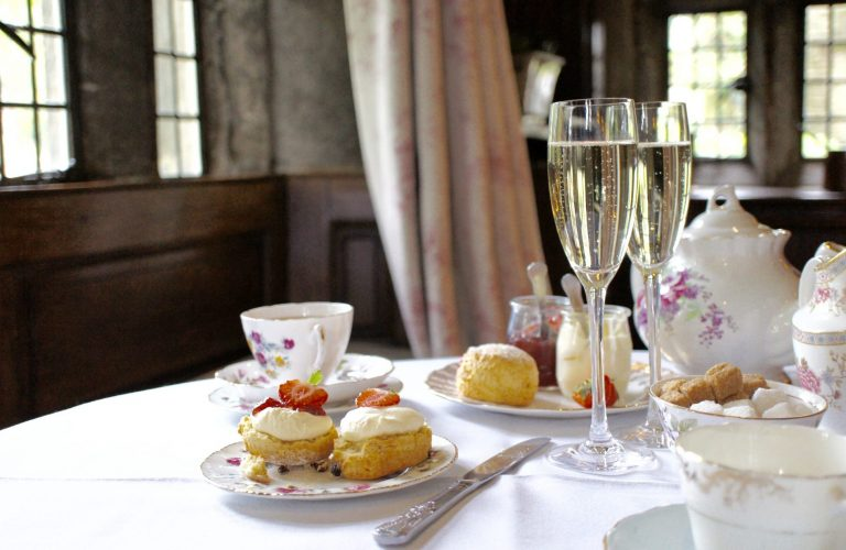 Cream tea Holdsworth House